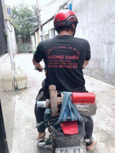 Thợ sửa máy bơm tại Thuận An