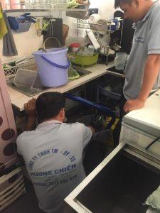 Thợ sửa máy bơm tại Quận 2